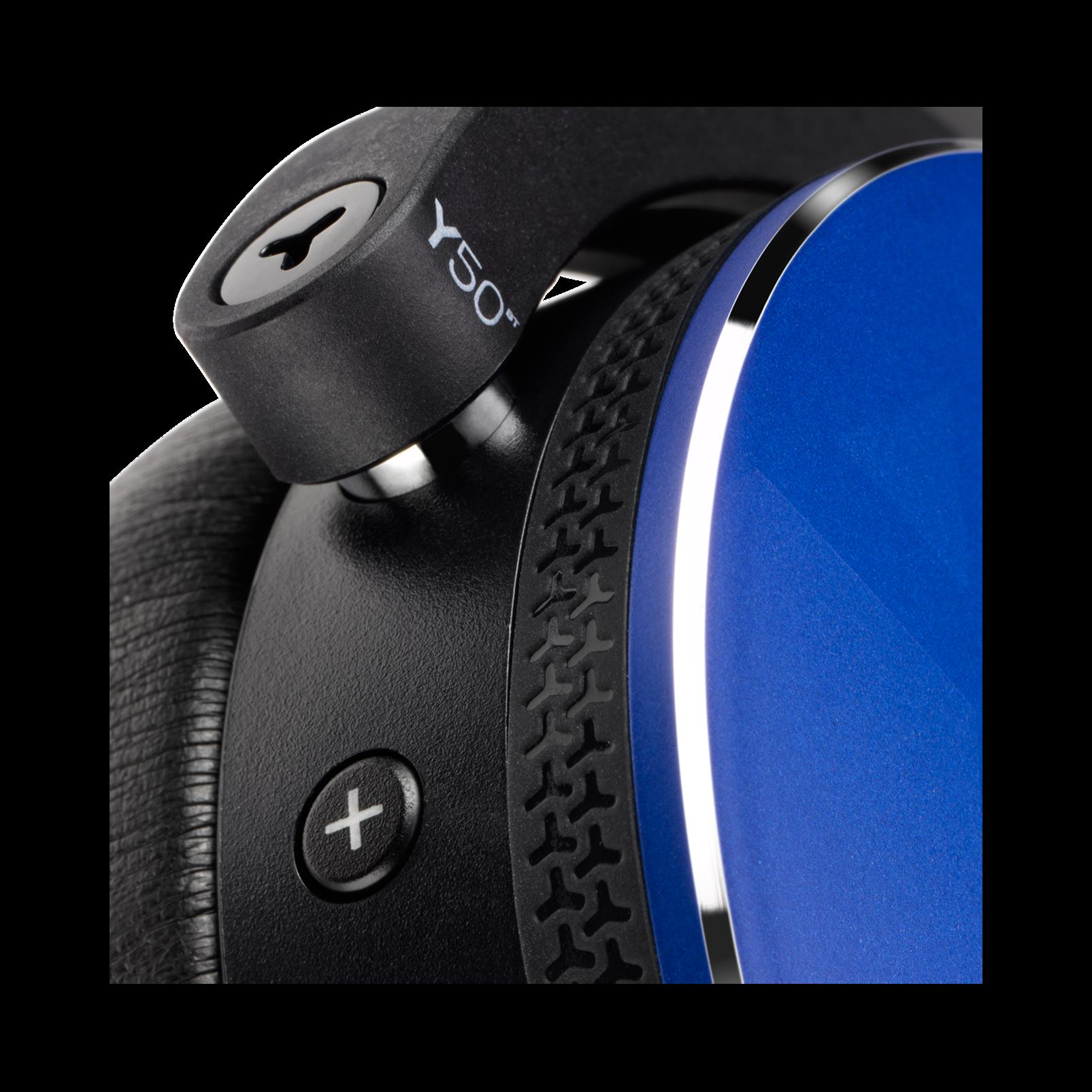 Y50BT - Blue - Premium portable Bluetooth speaker with quad microphone conferencing system - Detailshot 2